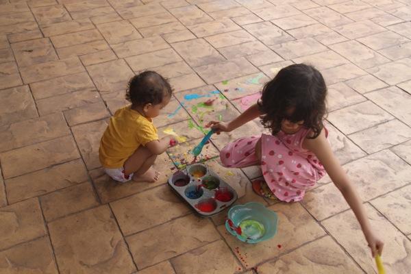DIY sidewalk paint cornstarch and food coloring